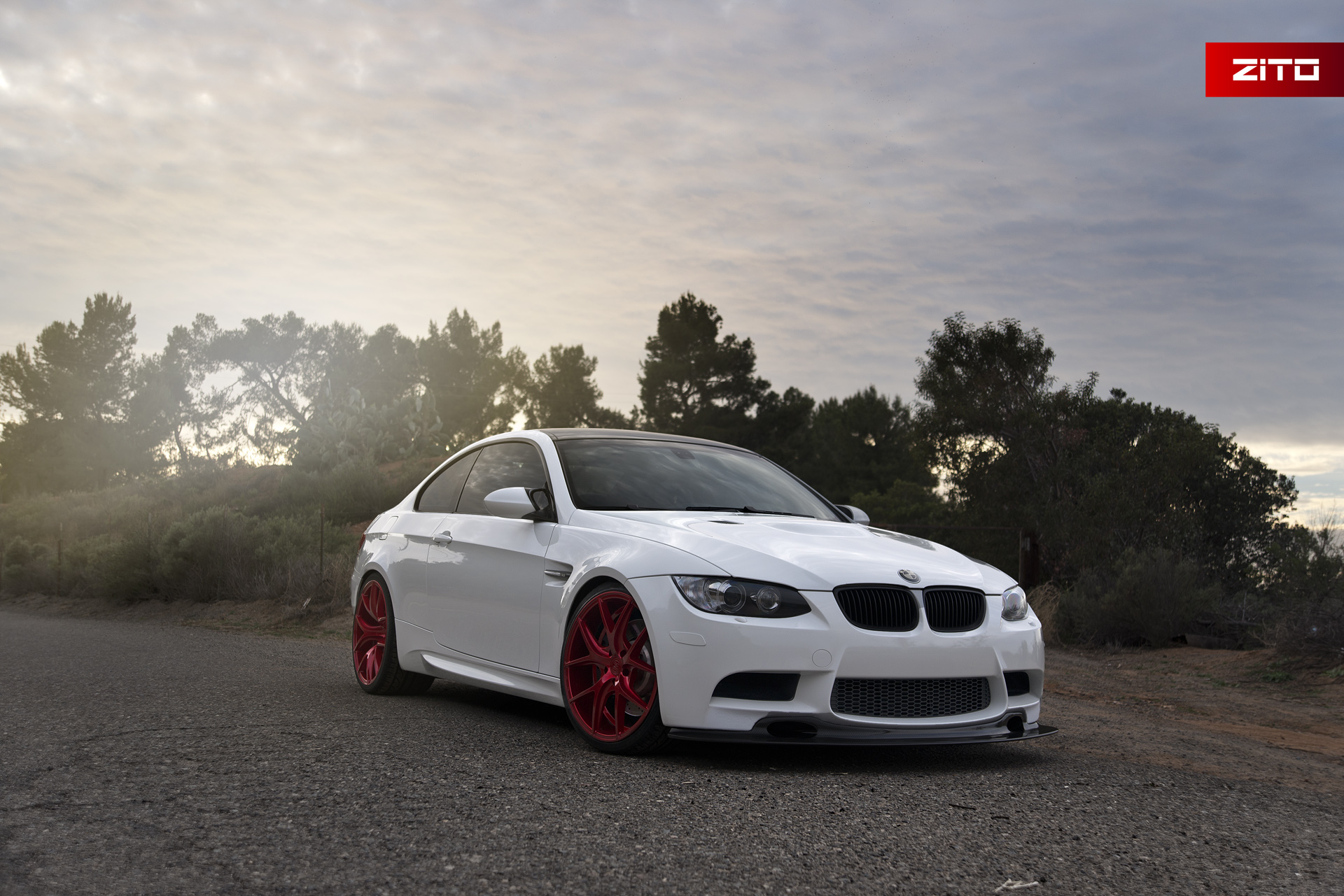 BMW E92 M3 White Red ZS05