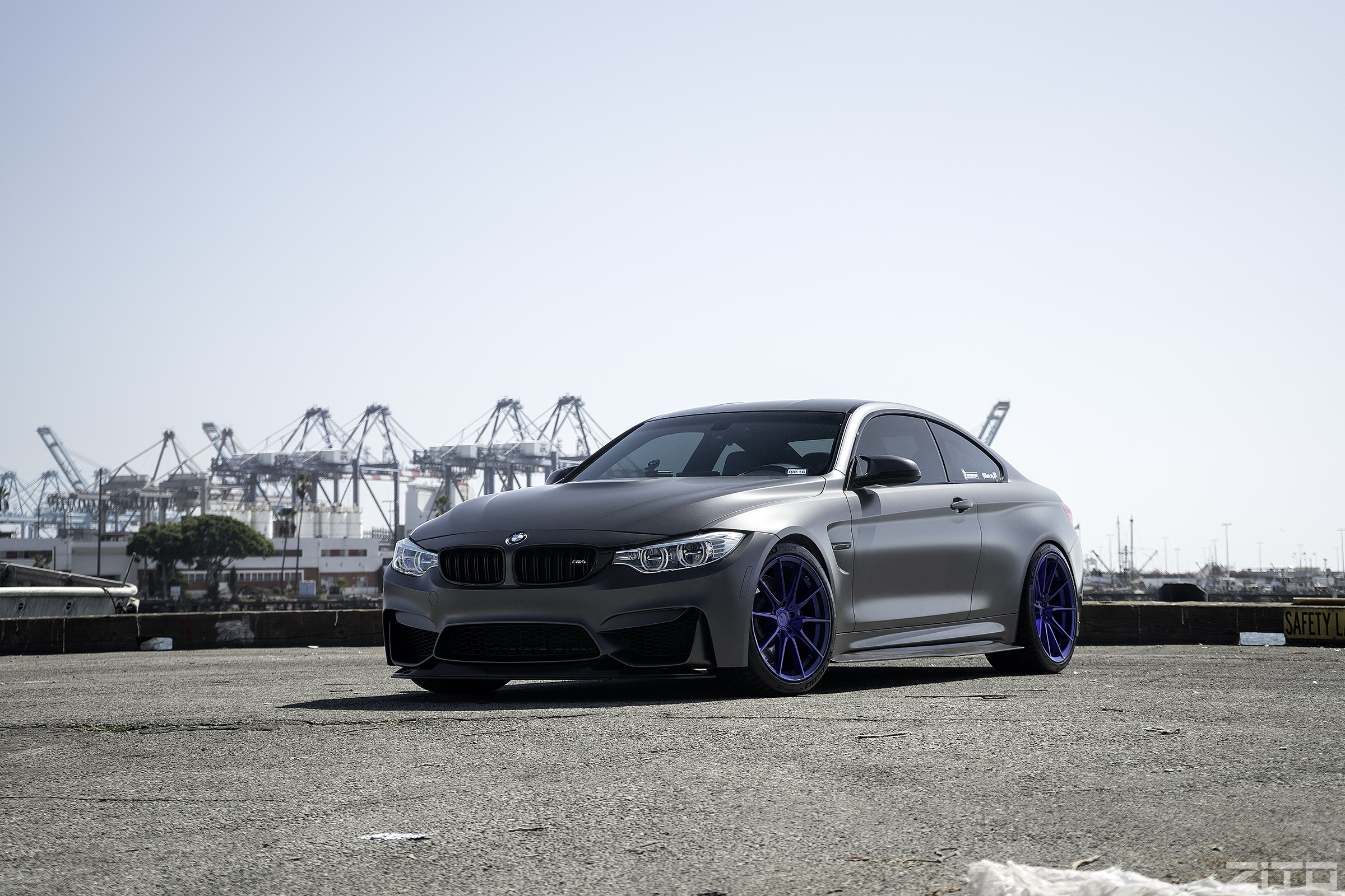 BMW F82 M4 Grey Blue ZF03
