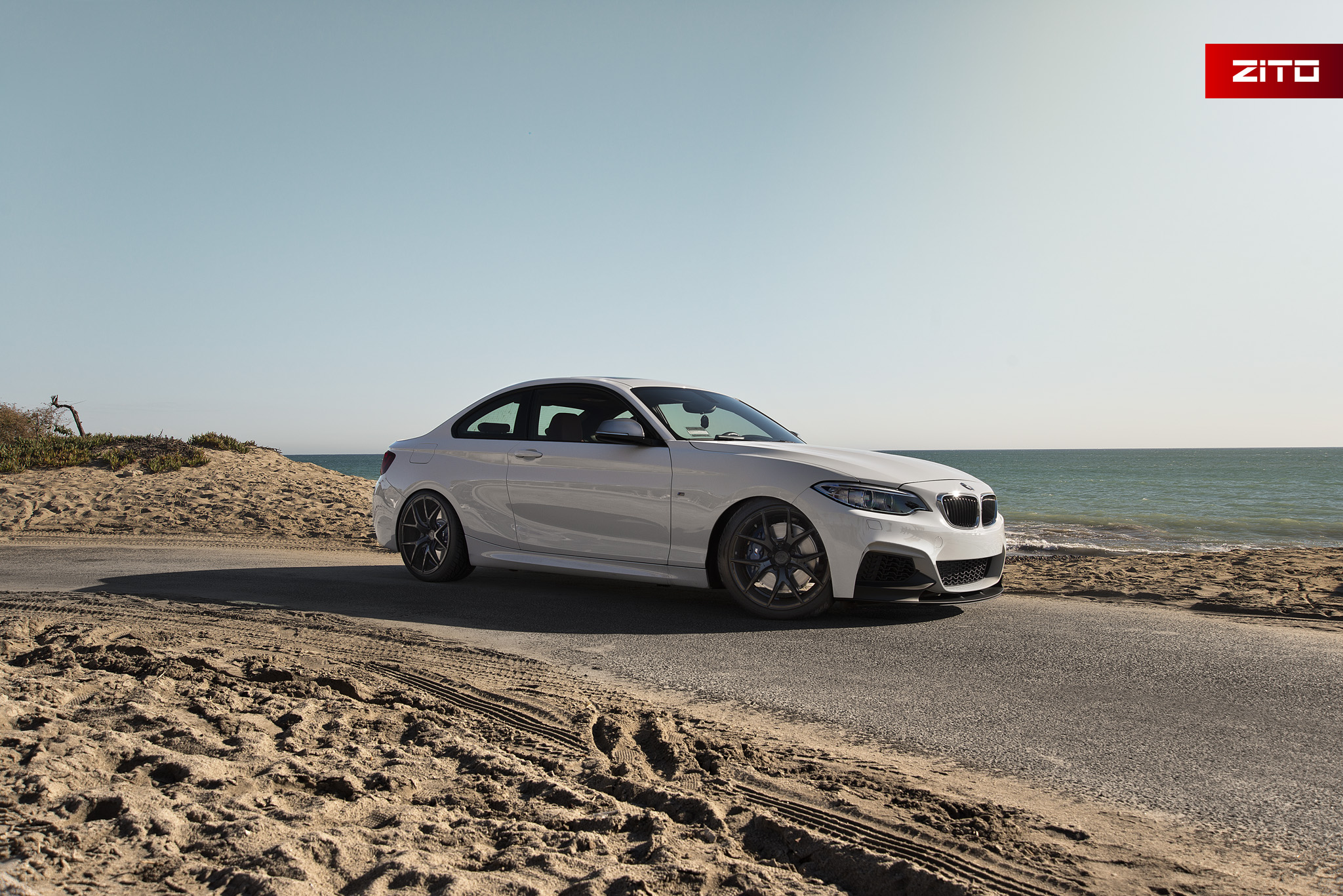 BMW F22 M235i White Black ZS05