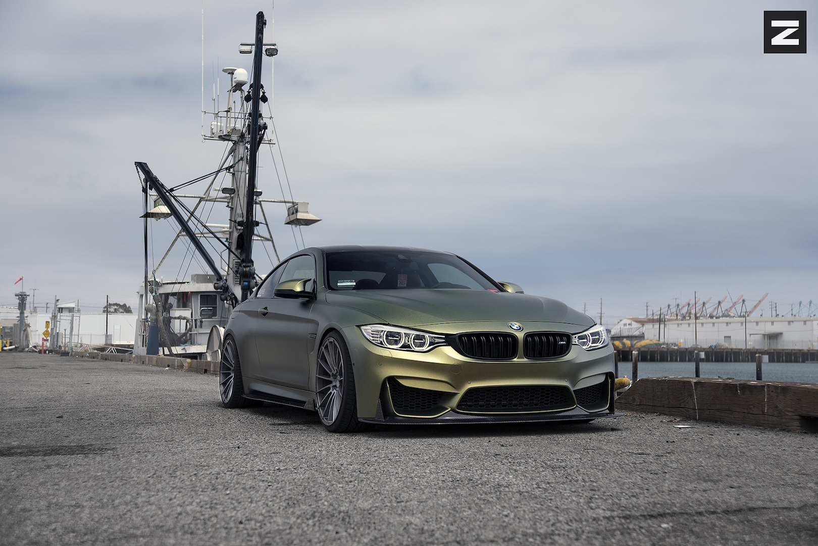 BMW F82 M4 Gold Gunmetal ZS15