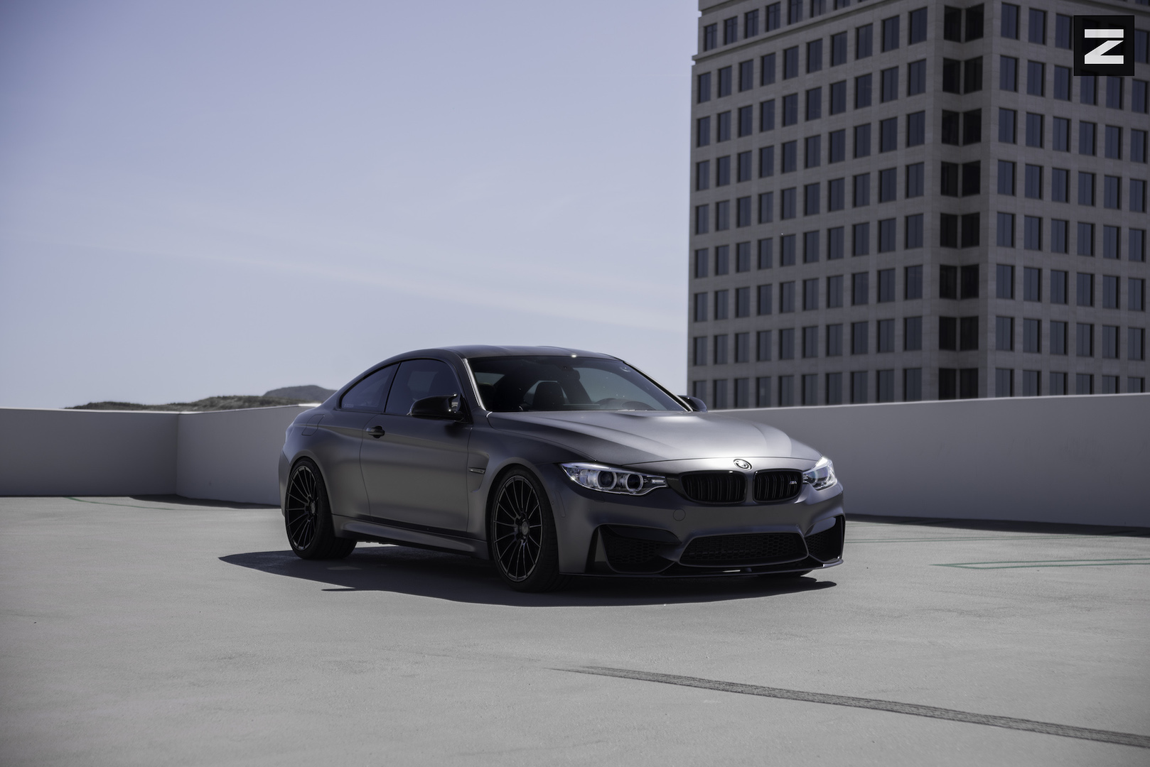 BMW F82 M4 Grey Black ZS15