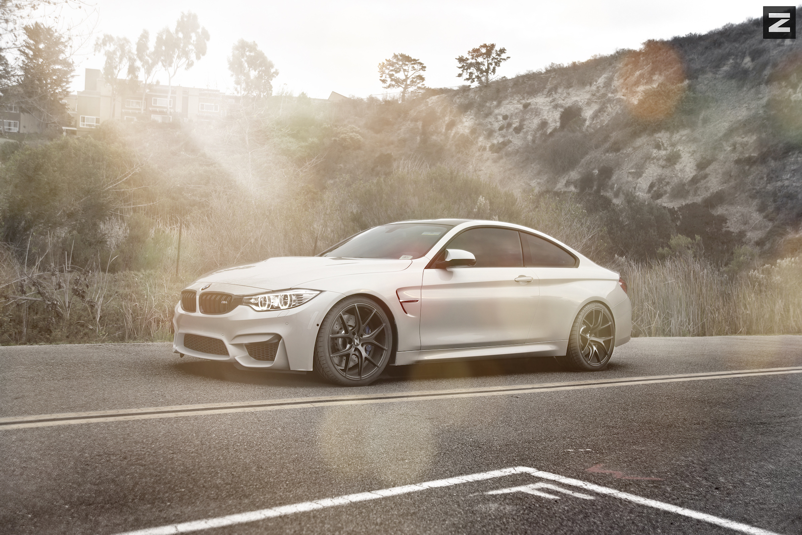 BMW F82 M4 White Black ZS05