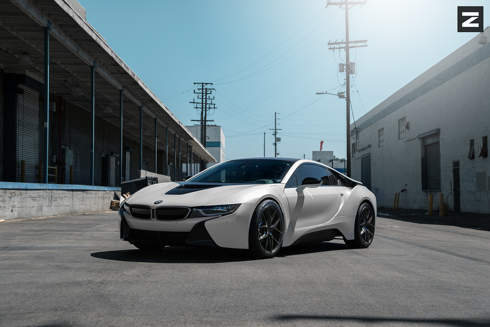 BMW i8 White Black ZS05