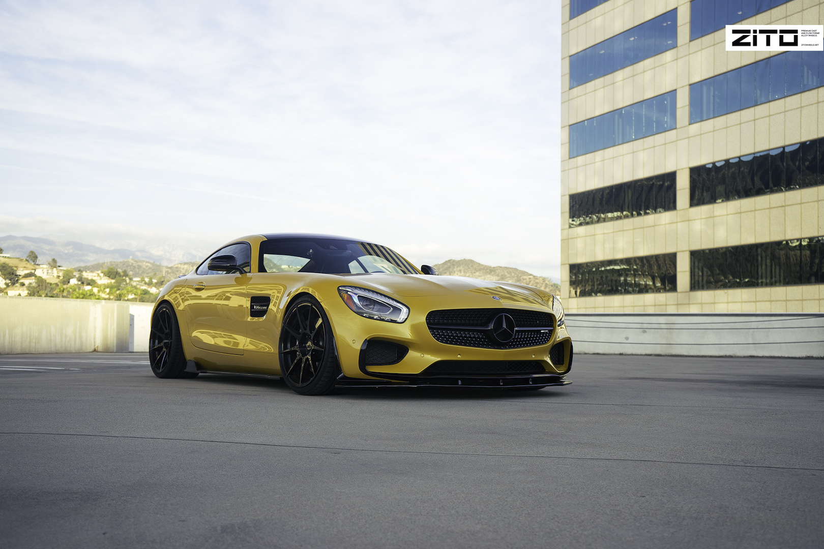 Mercedes Benz AMG GTS Yellow Black ZF02