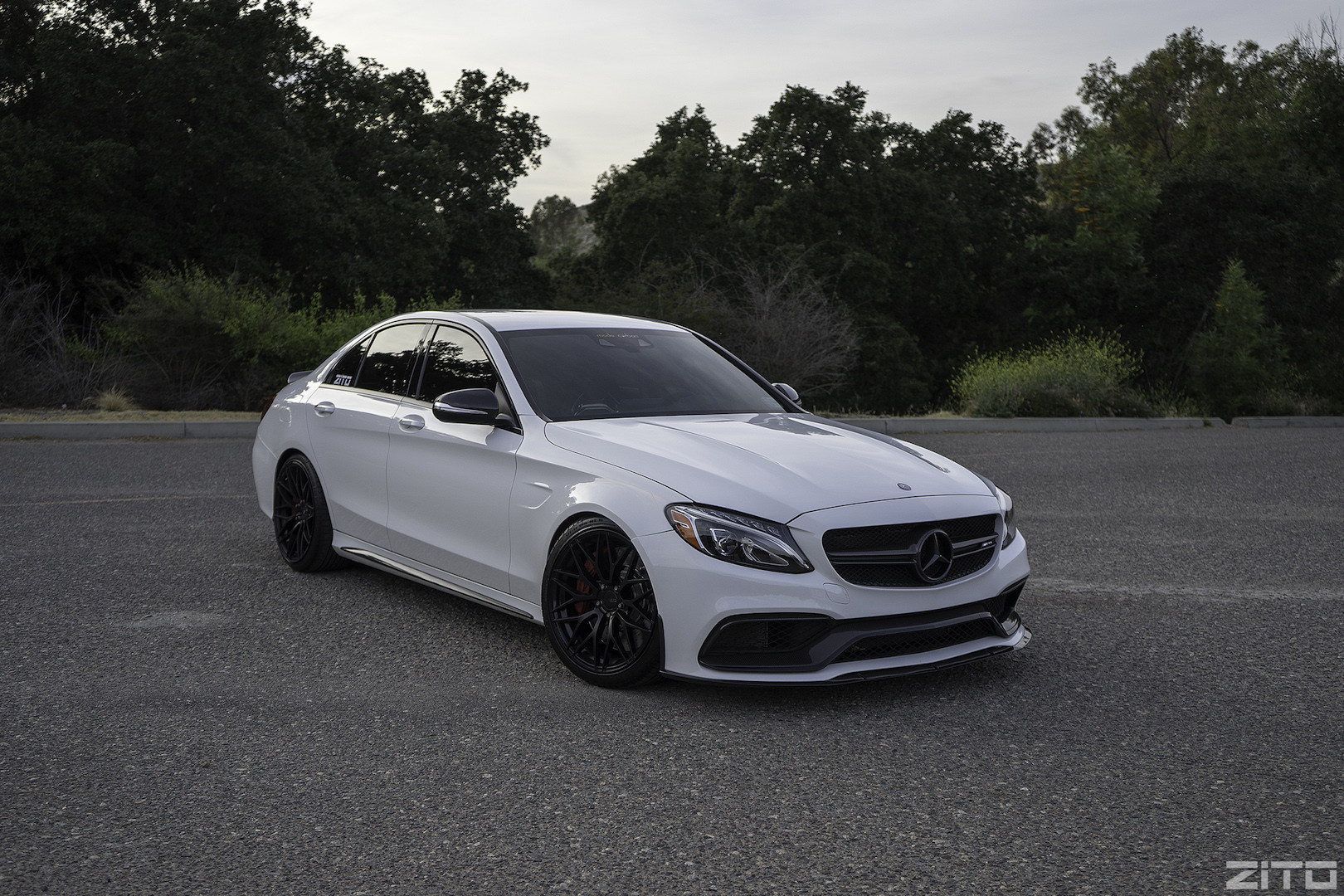 Mercedes Benz C63 AMG W205 White Black ZF01
