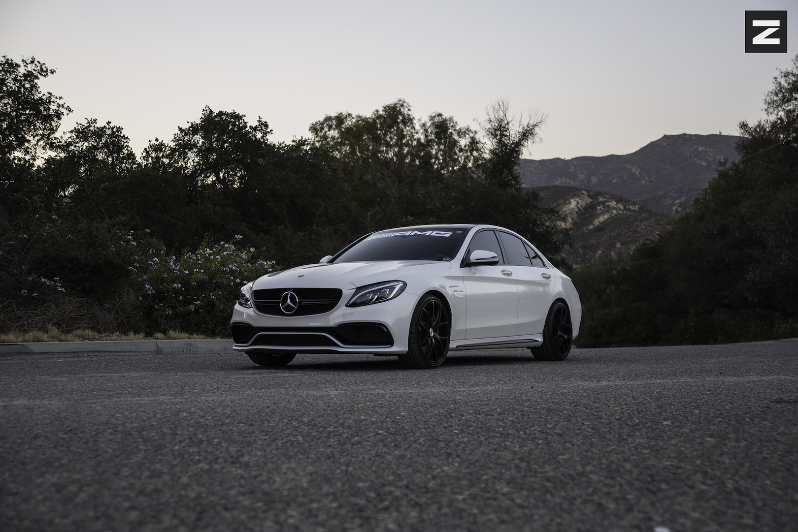 Mercedes Benz C63 AMG W205 White Black ZS05