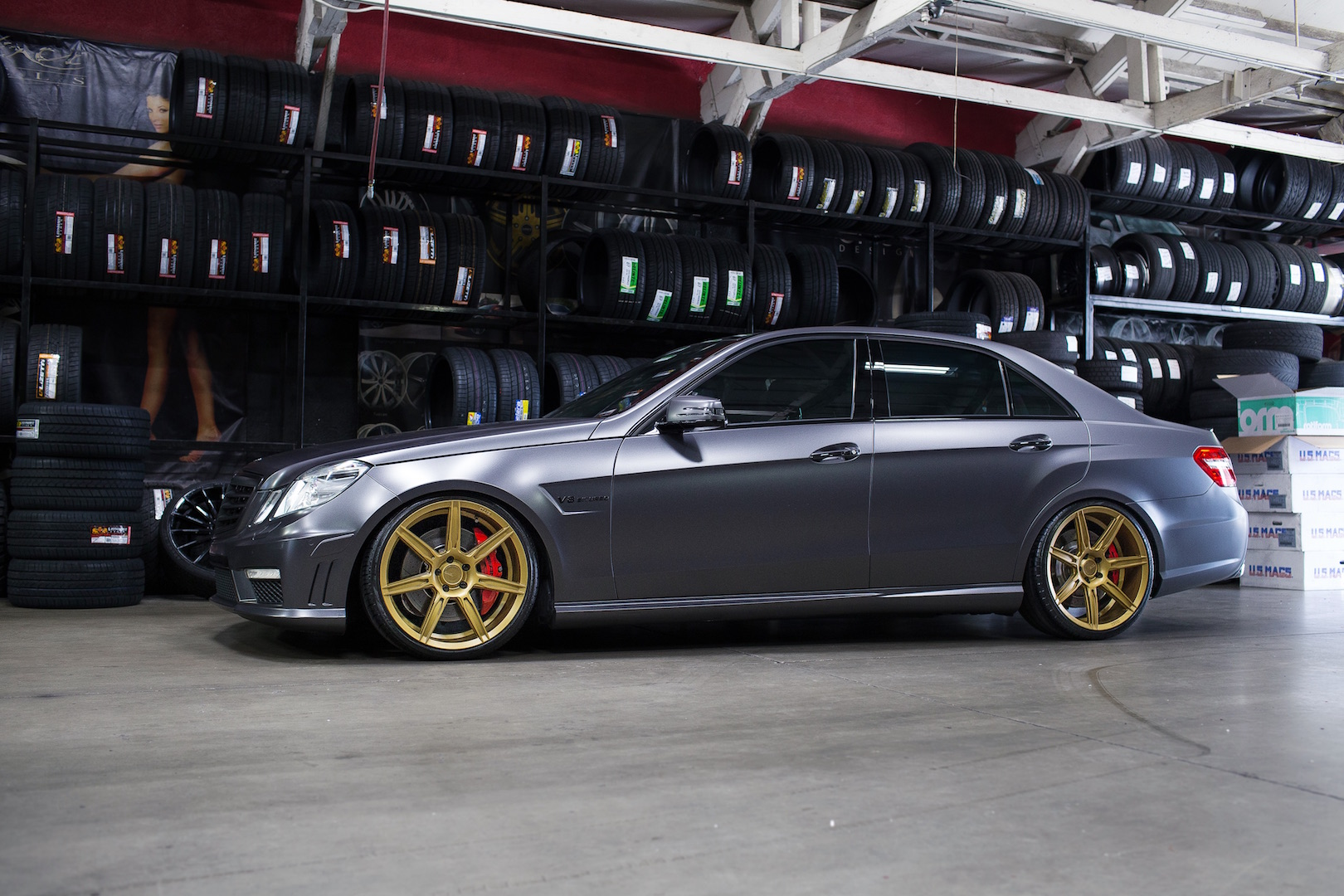Mercedes Benz E63 AMG W212 Grey Gold ZS07